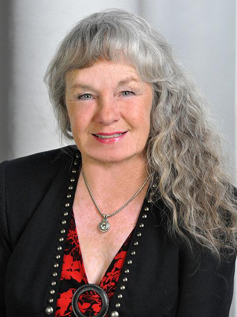 Lynn Carlton